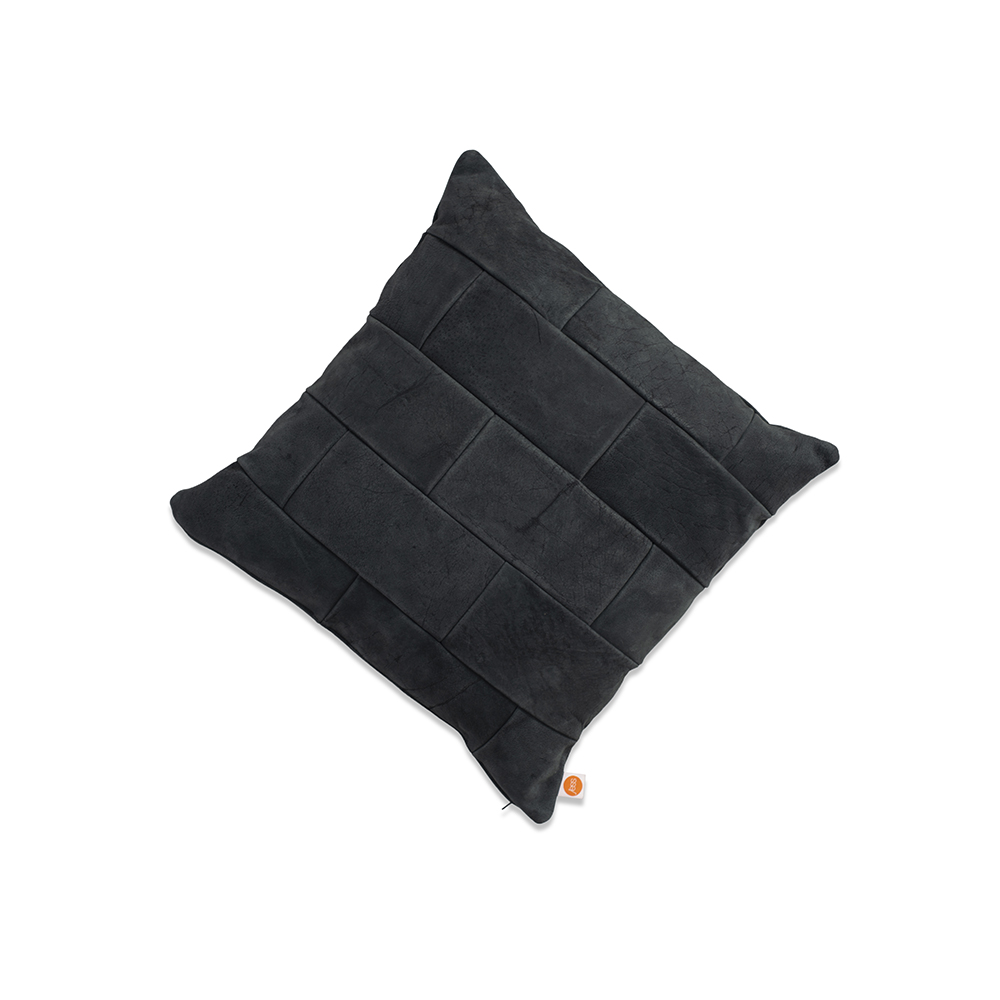 Lewis Cushion Aurula Black Front